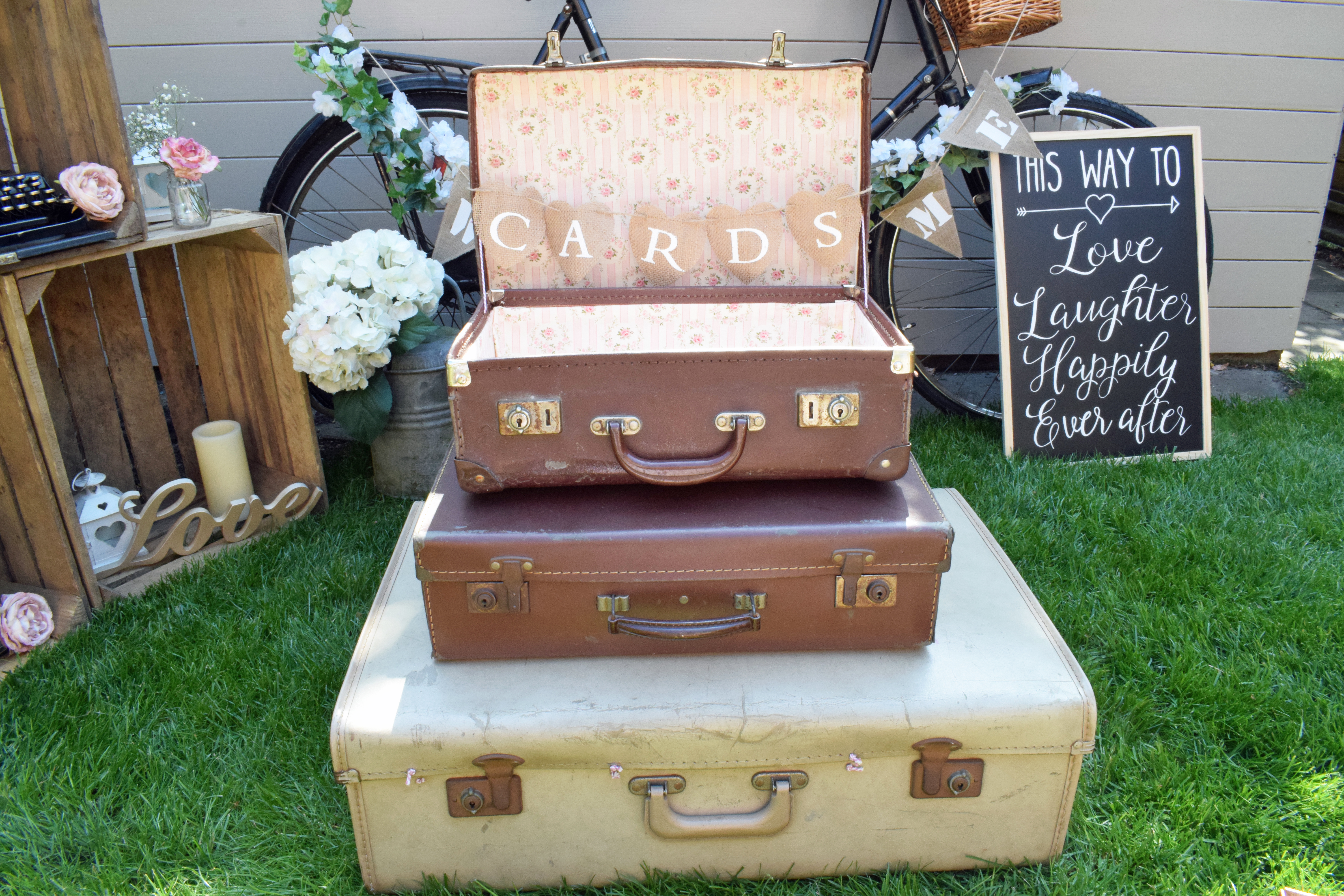 small suitcase cards