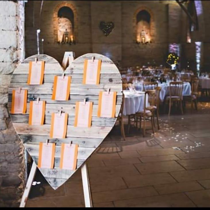 heart seating plan at wedding
