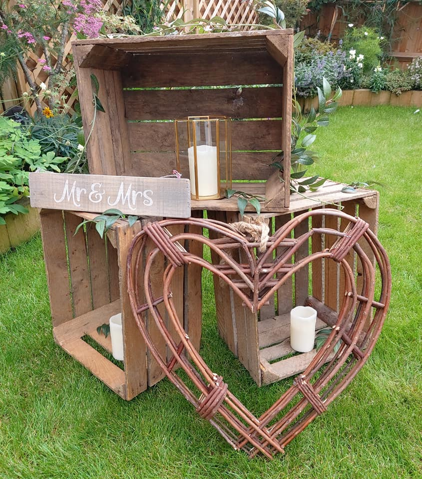 mr and mrs sign wicker heart